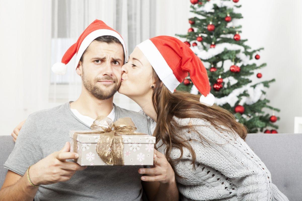 Regali Di Natale Per Nonni.9 Regali Di Natale Da Non Fare Al Tuo Fidanzato Pourfemme