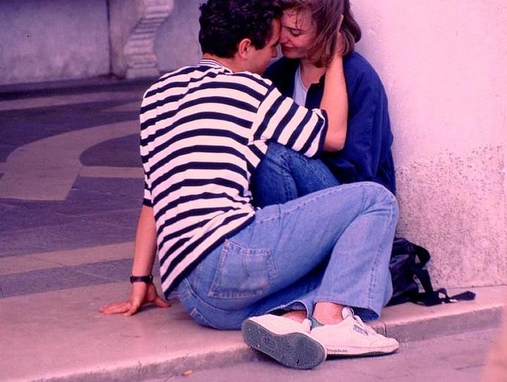 I primi amori dei figli adolescenti: come affrontarli