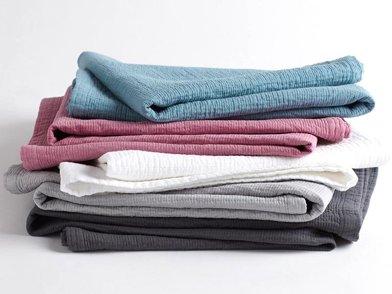 Come lavare le coperte invernali: una guida per non sbagliare