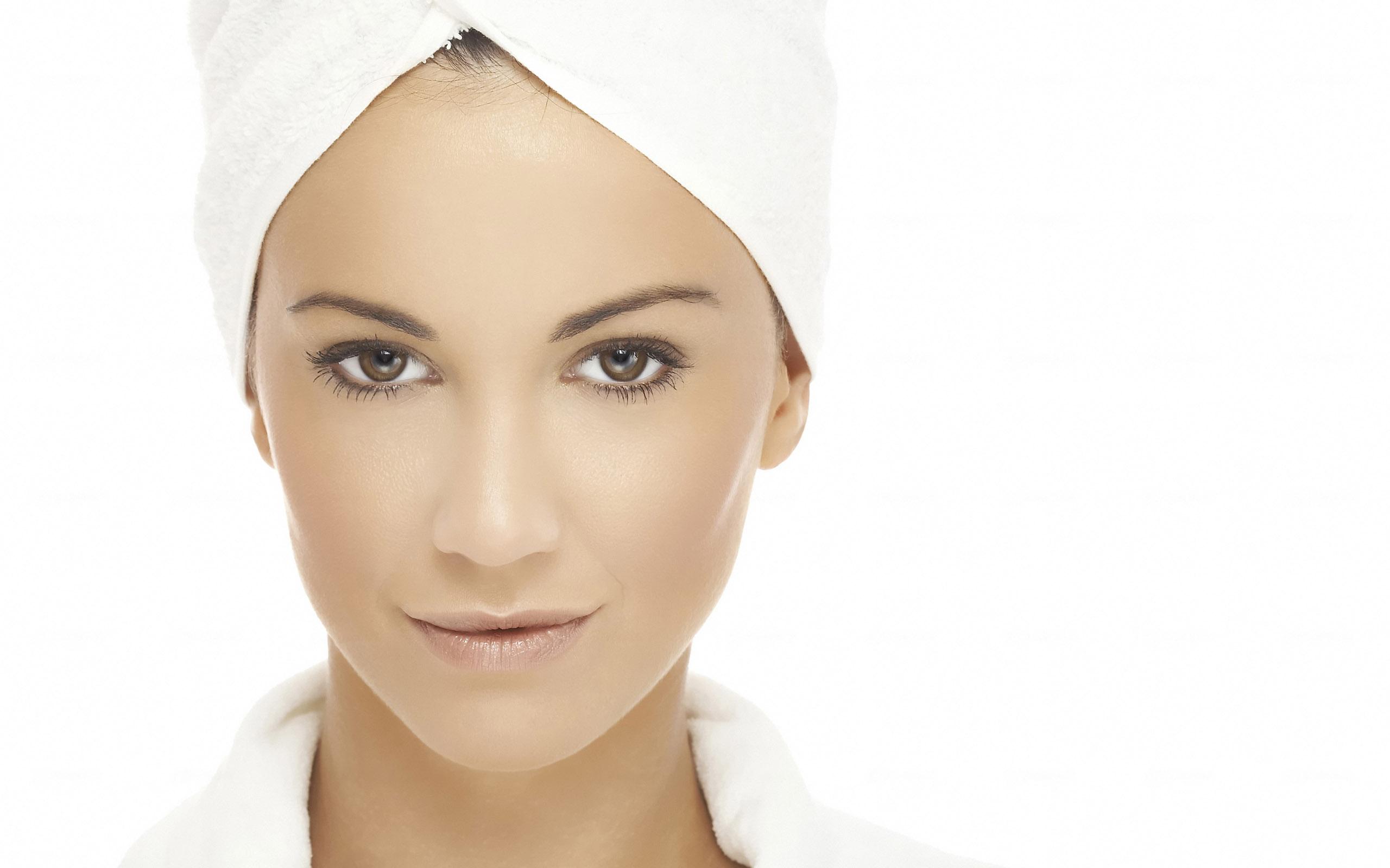 Pulire la pelle del viso in un mese: 20 consigli