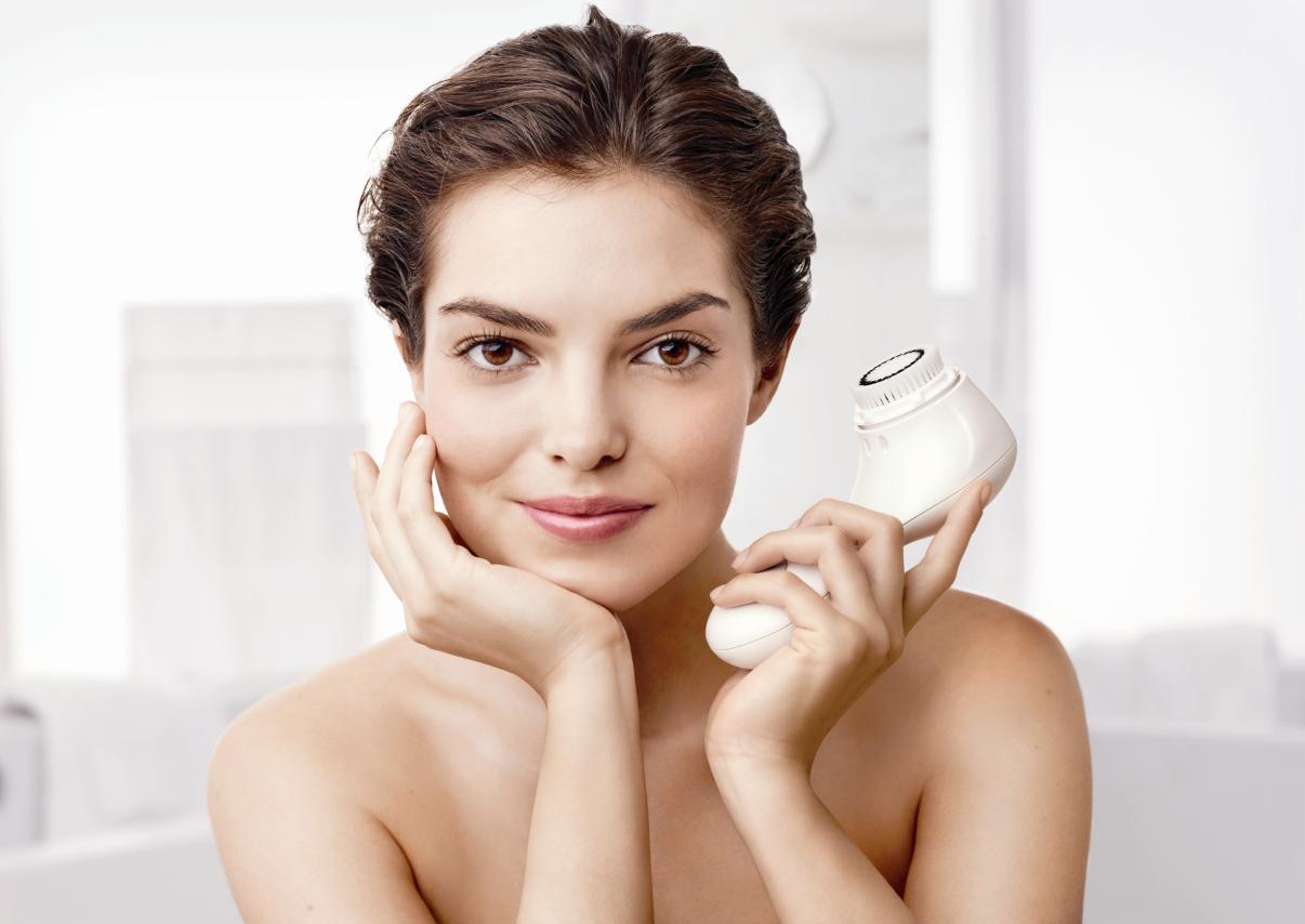 Clarisonic: come funziona la pulizia del viso a casa