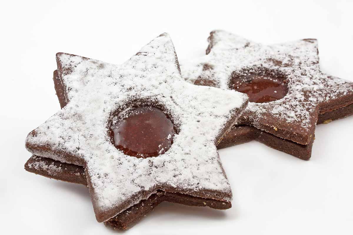 Biscotti alla Nutella a forma di stella con zucchero a velo