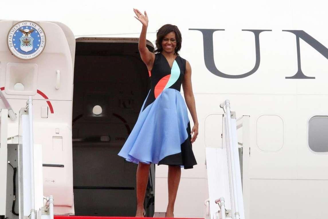 Michelle Obama con un abito in color block