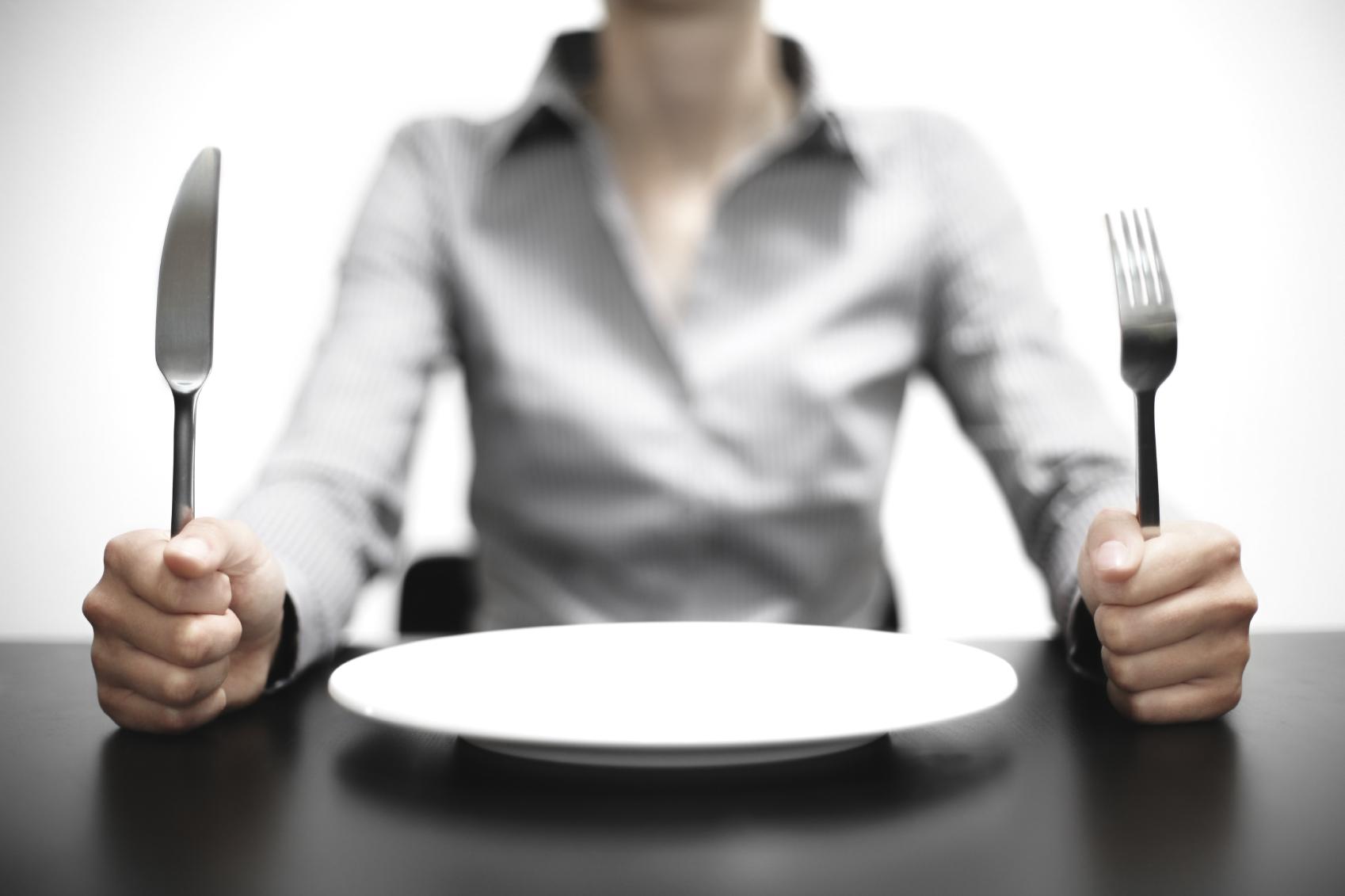 Come resistere alla fame durante la dieta: 10 consigli utili