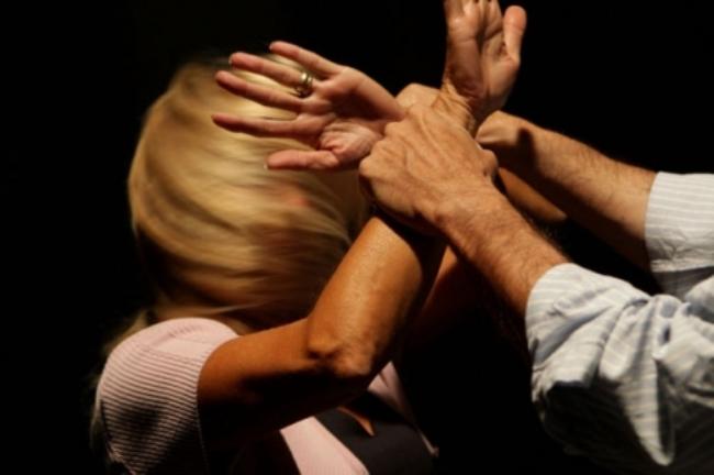 Violenza sulle donne in Italia cala il numero ma aumenta la gravità