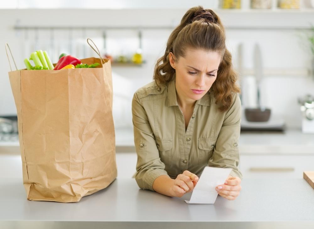 Mangiare sano con pochi soldi: come restare in forma risparmiando