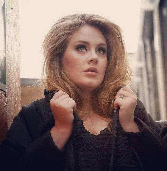 Adele con 30 kg in meno