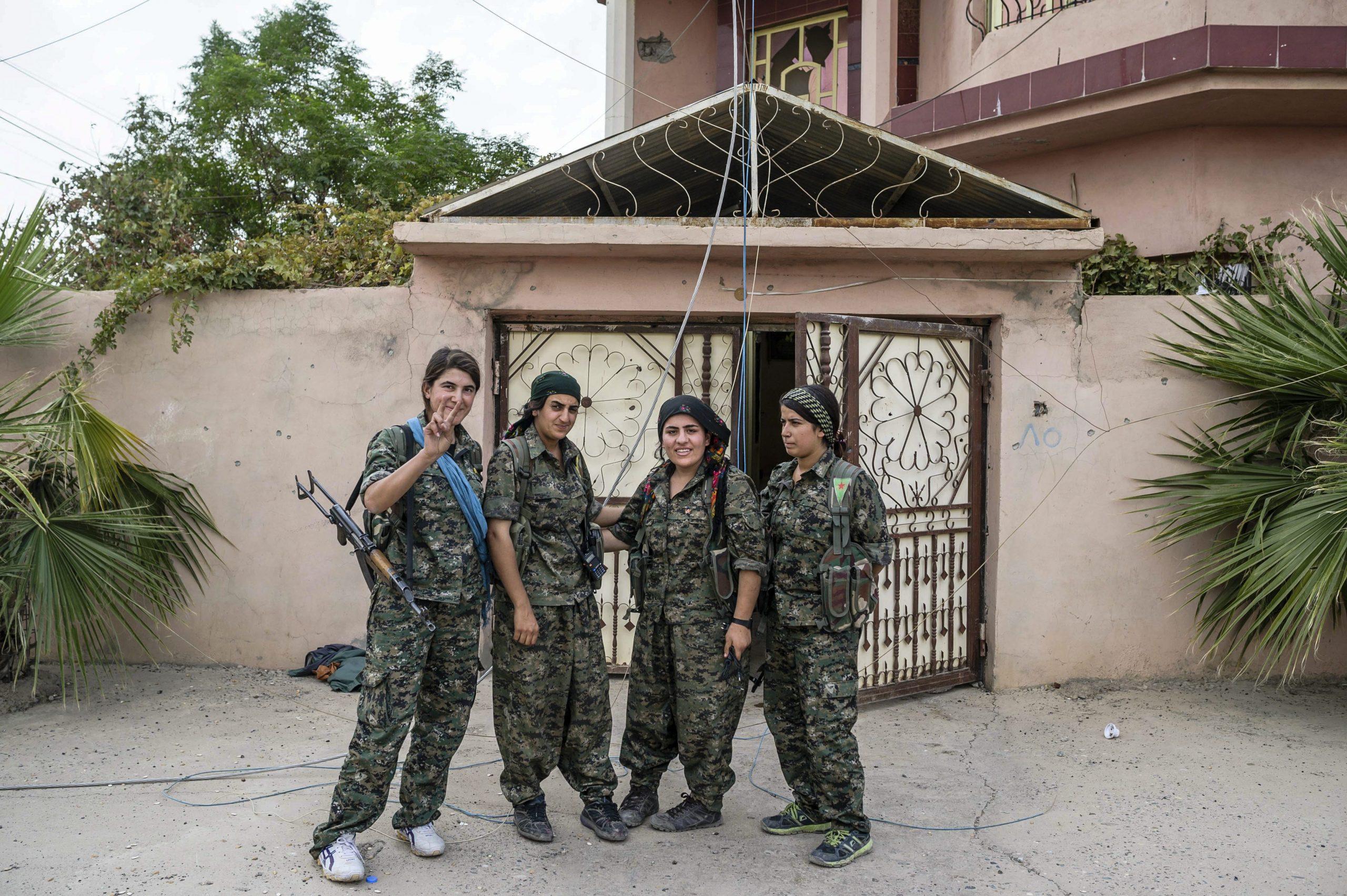Le donne curde in lotta contro lo stato islamico