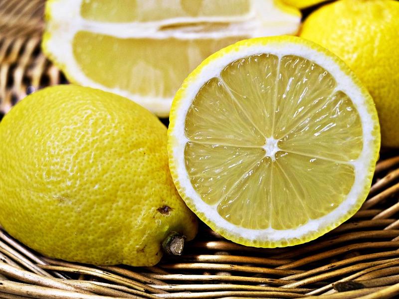 Limoni cesto
