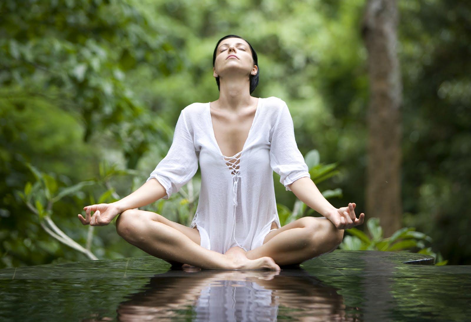 Come dimagrire con lo yoga
