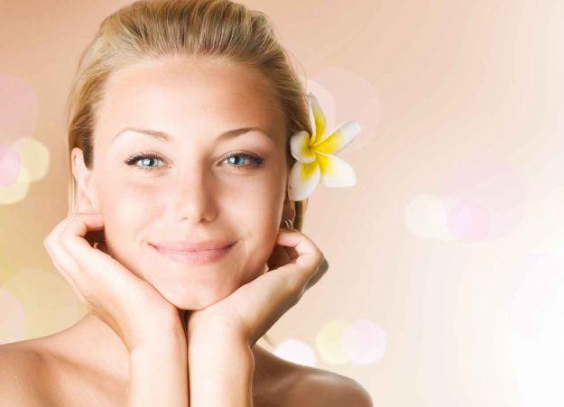 Pulizia del viso per pori dilatati