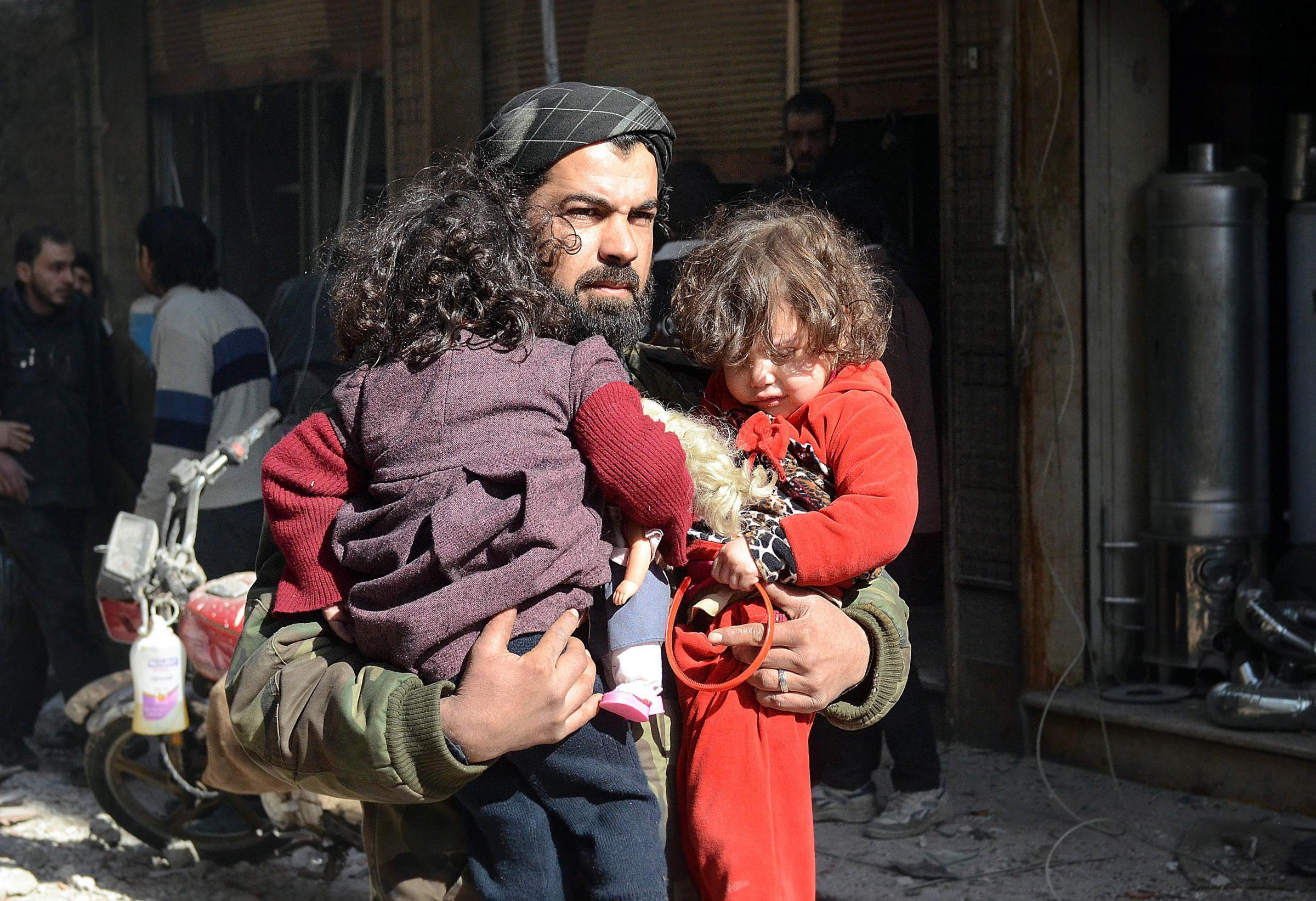 Sotto attacco la citta' di Douma in Siria dalle forze di Assad