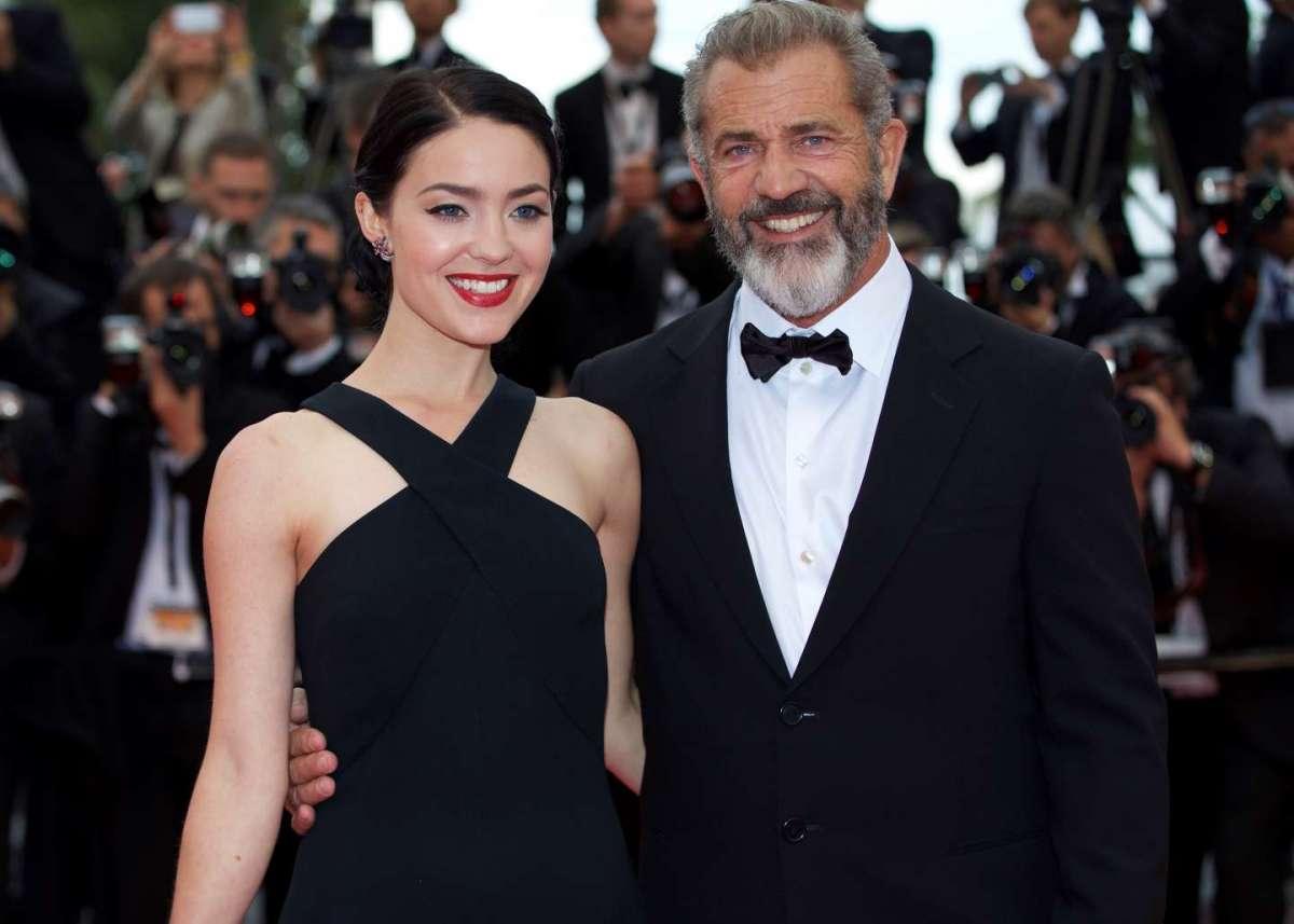 Mel Gibson con Rosalind Ross