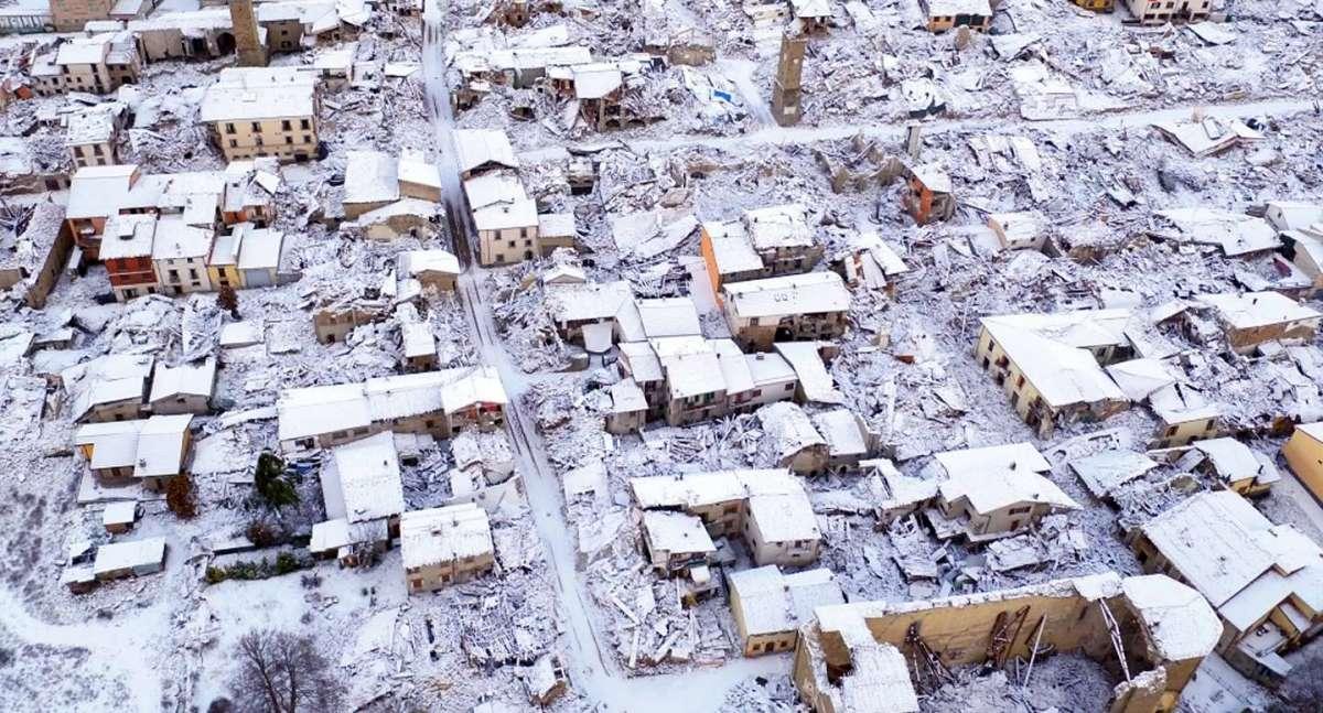 Terremoto a Roma Rieti e nel Centro Italia ci sono tanti morti foto