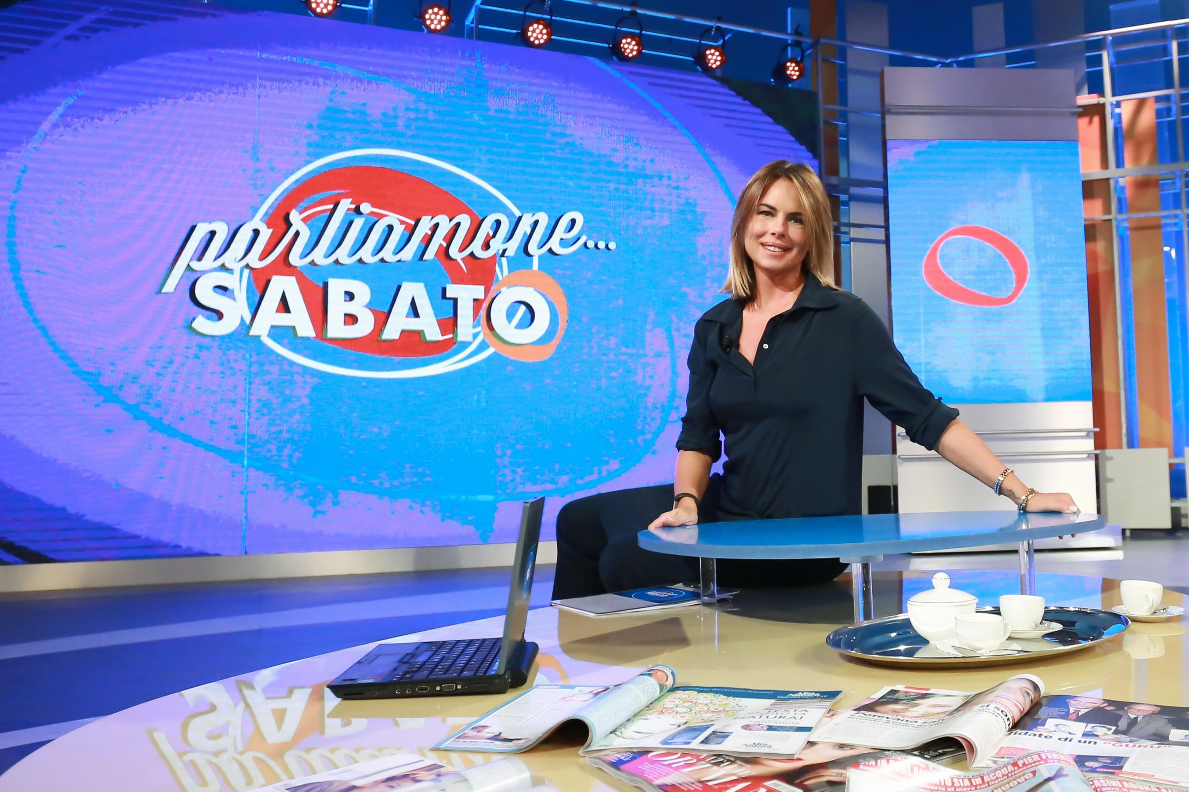 """Parliamone sabato ha chiuso, Paola Perego in lacrime: """"Sono una brava persona ma ho un marito scomodo"""""""