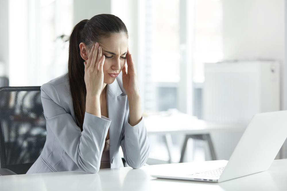 mal di testa da cervicale farmaci rimedi naturali esercizi