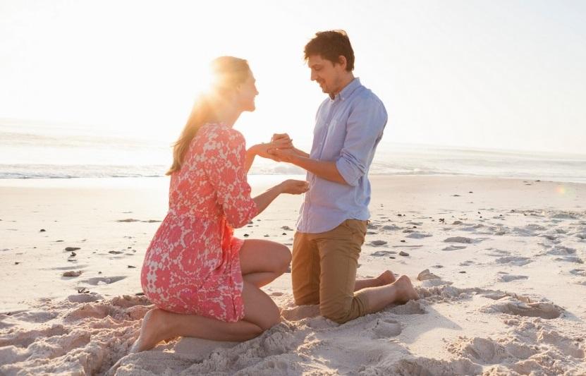 Proposta di matrimonio da lei a lui: come chiedergli di sposarti