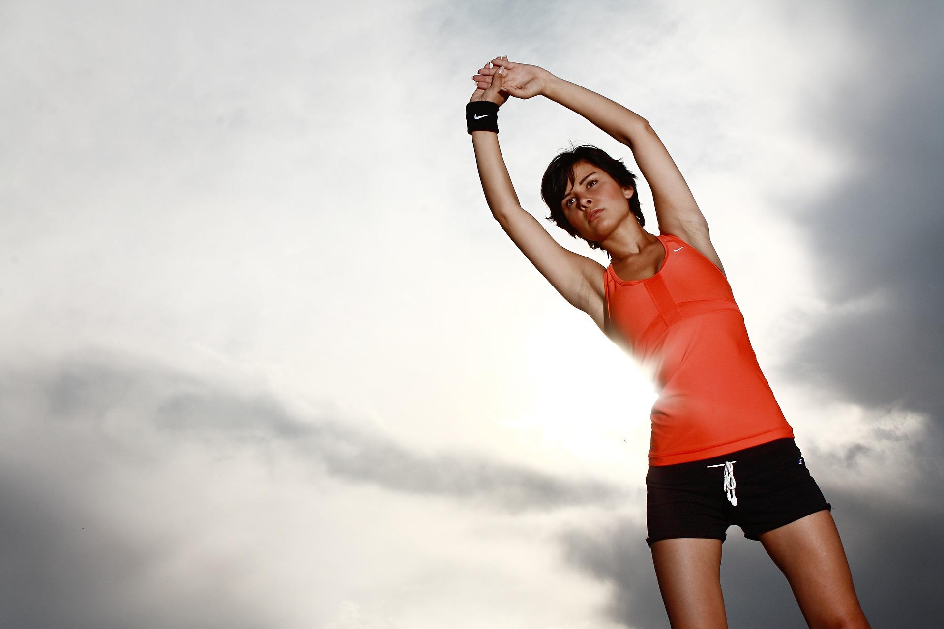 Esercizi per perdere massa grassa velocemente a casa o in palestra