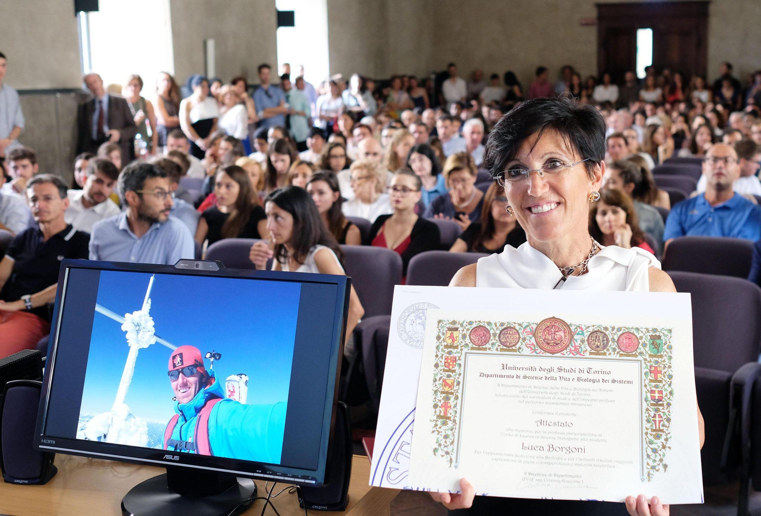 Cristiana Giordana da' tesi in biologia del figlio scomparso a luglio in montagna