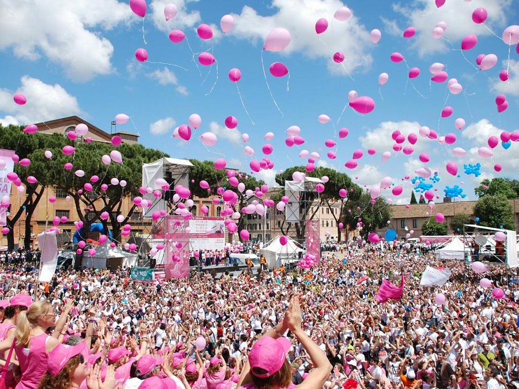 avon running una corsa contro il tumore al seno
