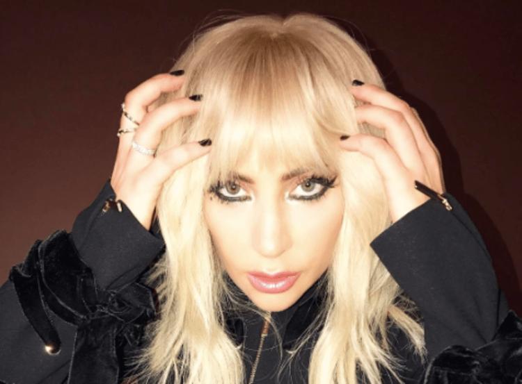 Lady Gaga si confida: Ho paura della gravidanza per la fibromialgia