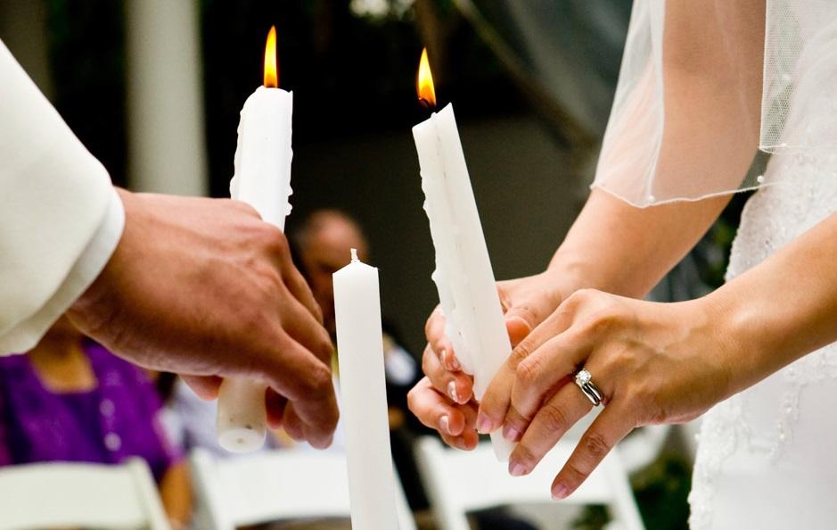 Il rito della luce o delle candele per il matrimonio: cos'è, origine e testo da leggere