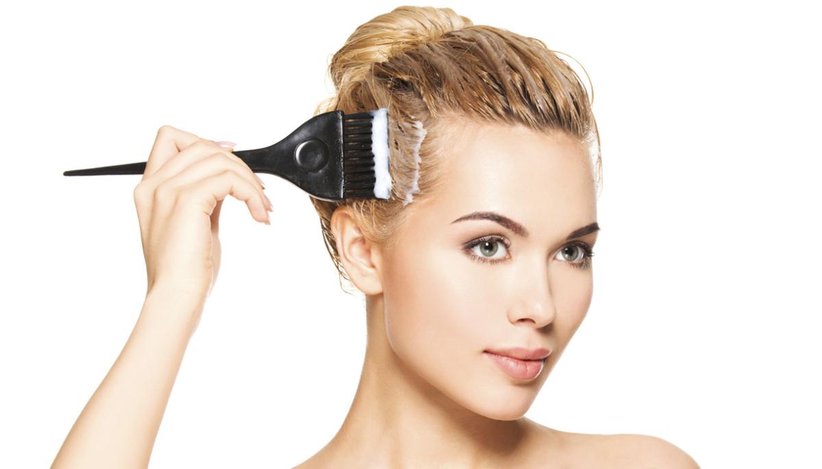Cancro al seno allarme contro le tinture per capelli