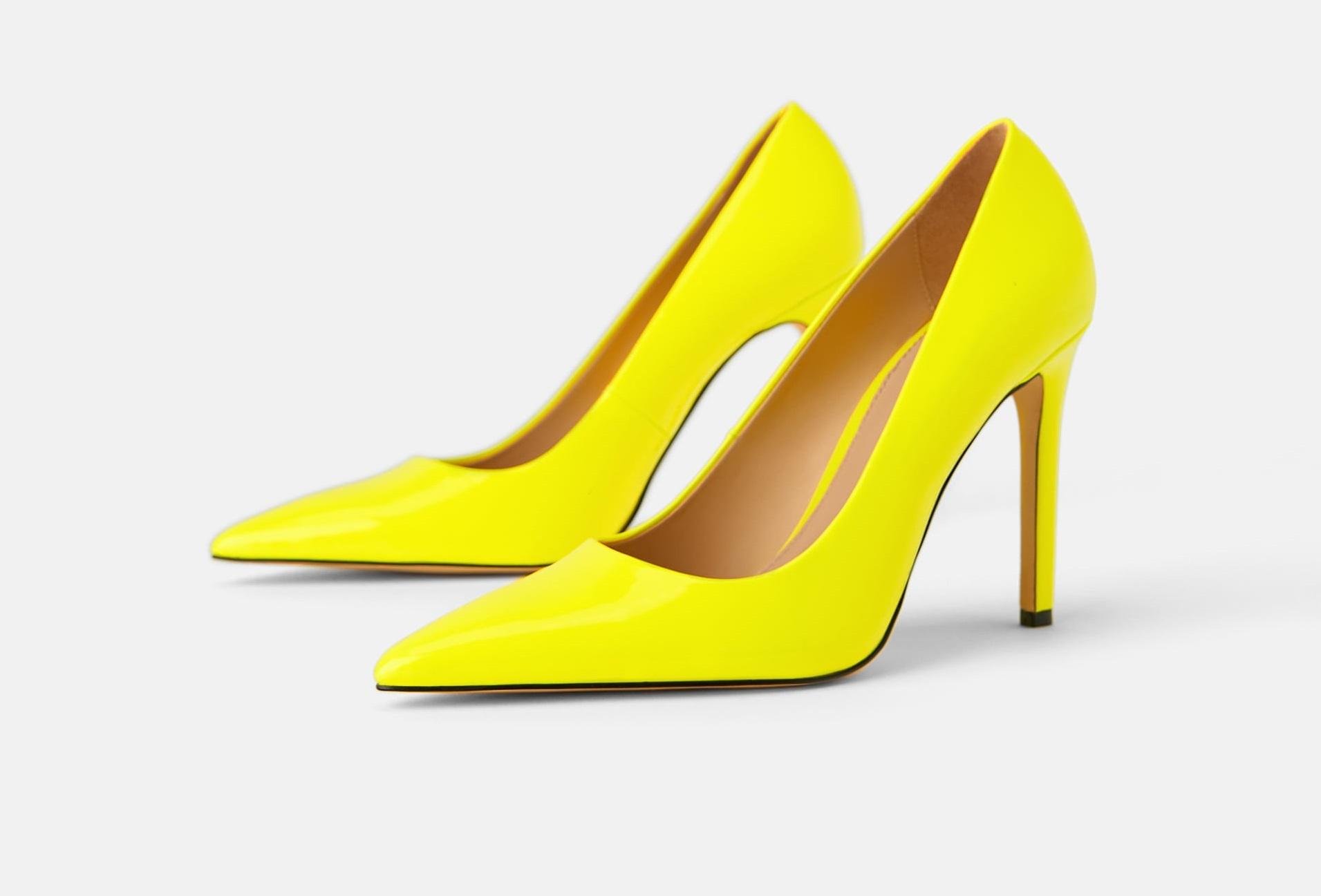 Scarpe Zara Primavera 2019: tronchetti a punta, sandali fluo e sneakers di tendenza