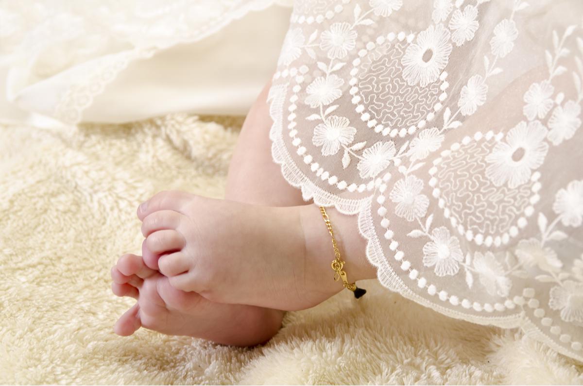 Piedi di neonato