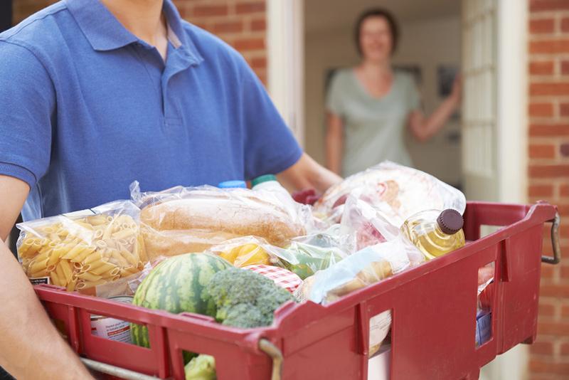 Spesa a domicilio, tutti i servizi utili per non uscire di casa