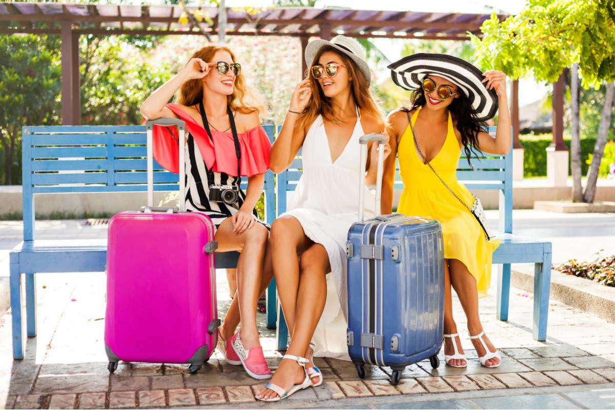 Cosa mettere in valigia: 7 oggetti per un kit perfetto a prova di estate