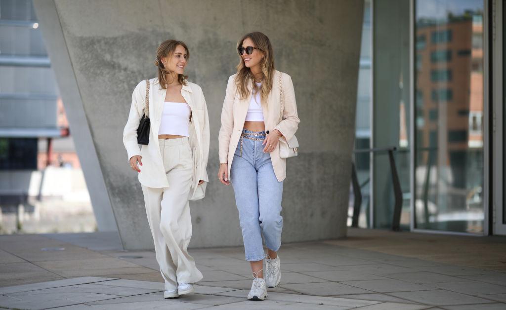 Pantaloni per settembre: i modelli, i tessuti e gli abbinamenti