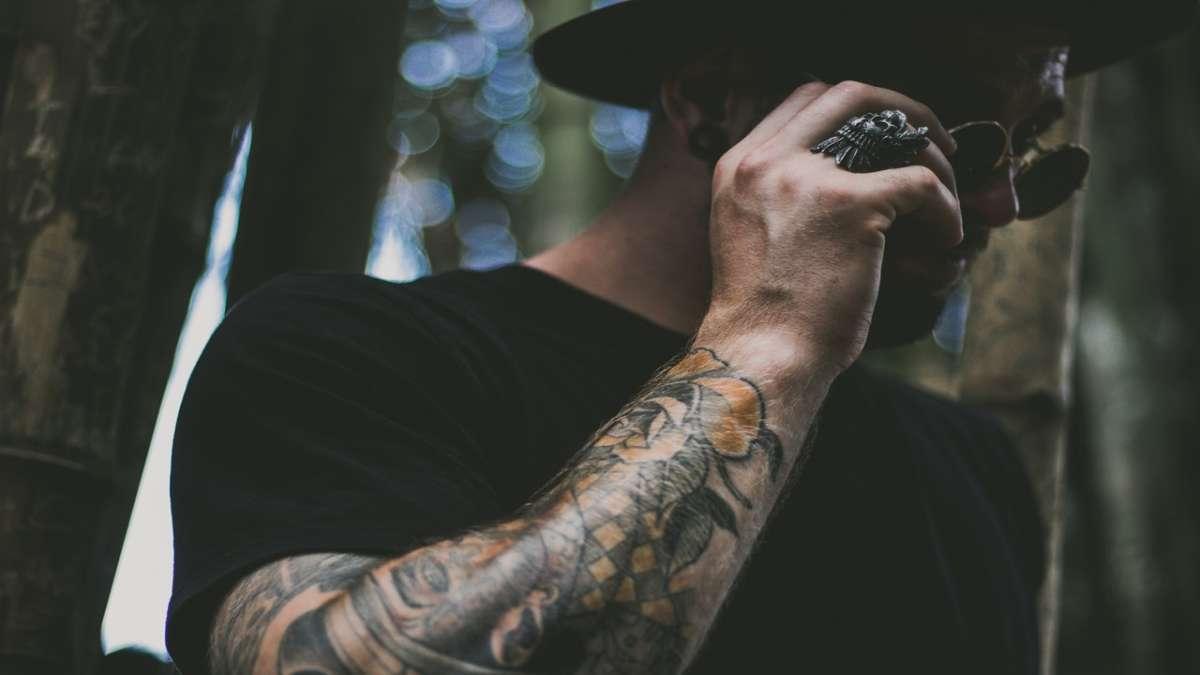 Tatuaggi uomo: dove farli e quale stile scegliere