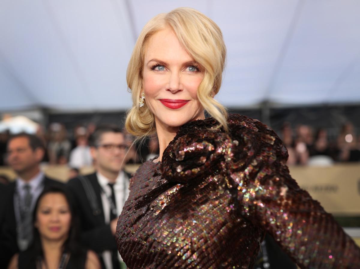 Nicole Kidman cambia look: addio ai capelli lisci e biondi, tornano i ricci rossi degli esordi