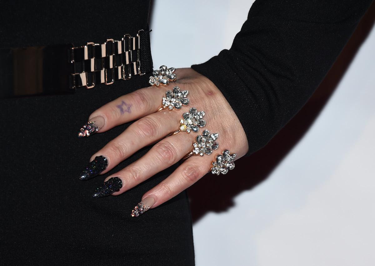 manicure nail art halloween