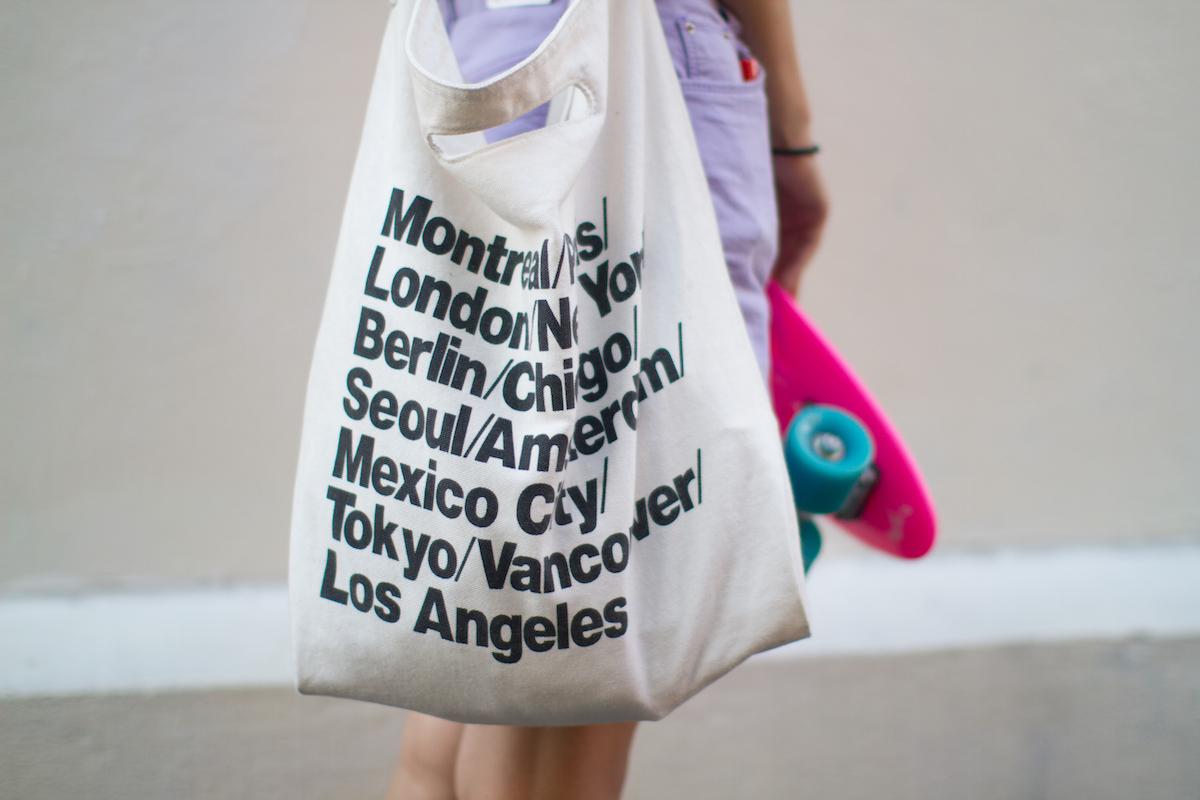 La borsa di tela, dal mercato alla passerella