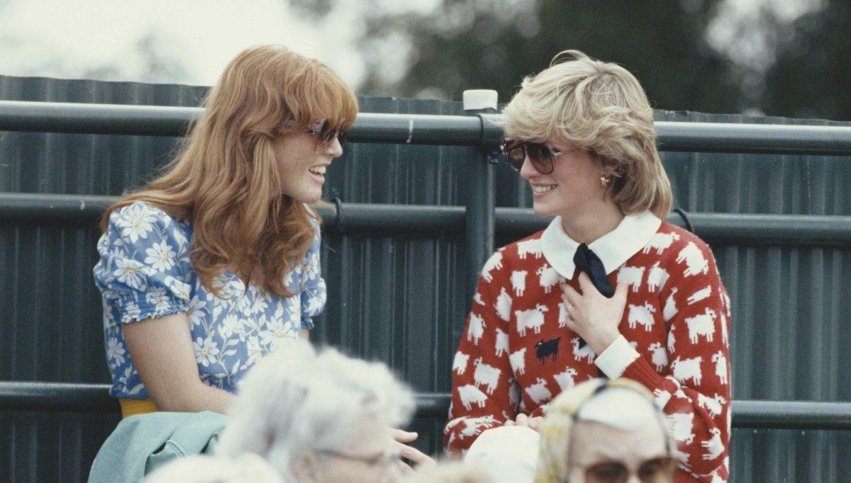 Lady Diana: il suo iconico maglione con le pecorelle detta ancora moda