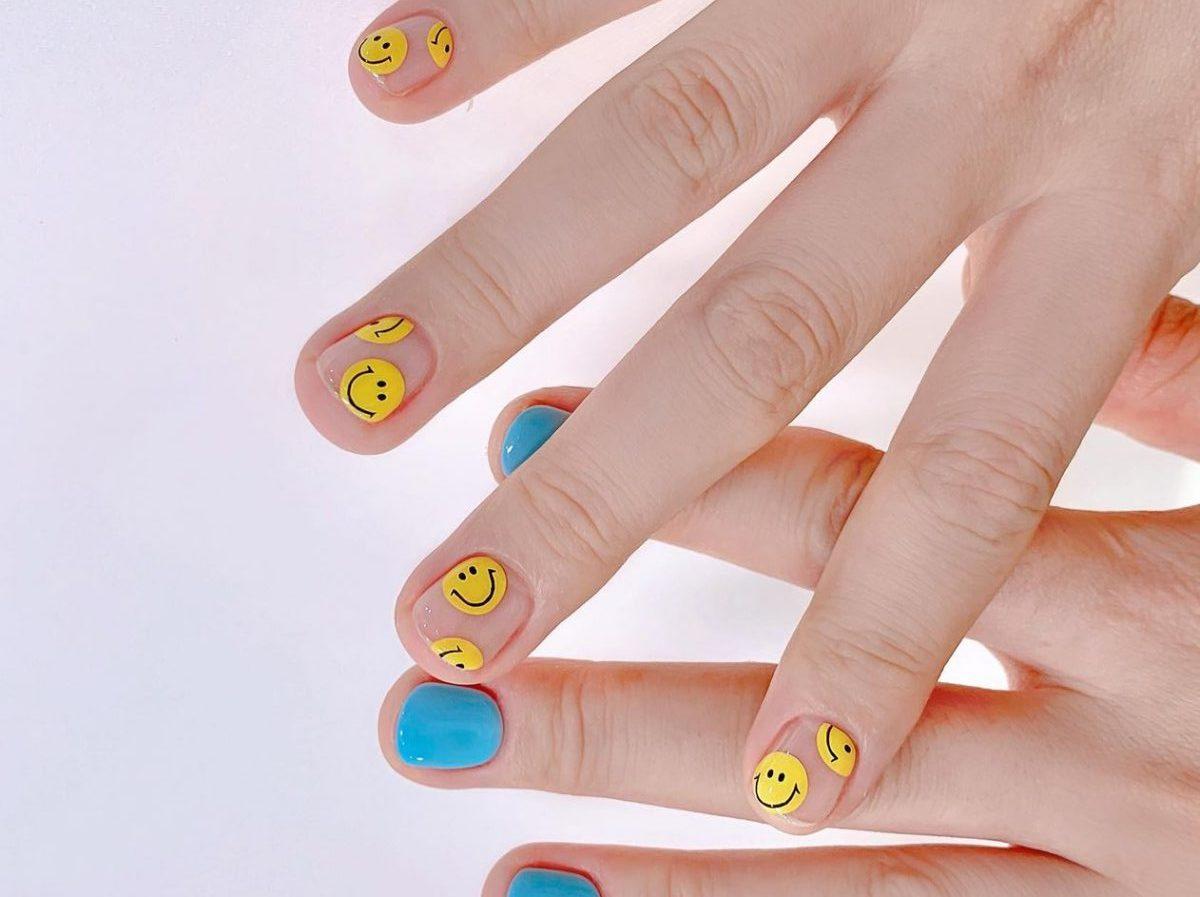 Smile nails: il trend unghie che ci porteremo nel 2021