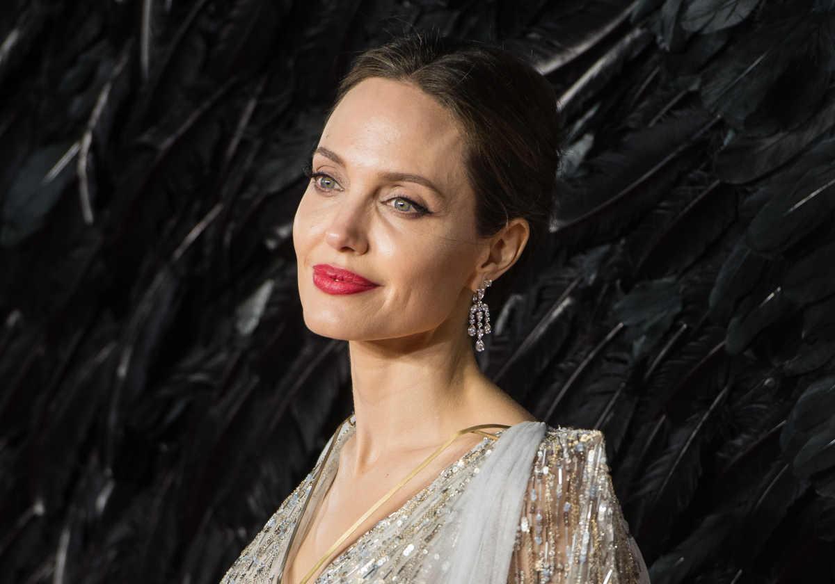 Angelina Jolie dicembre 2020