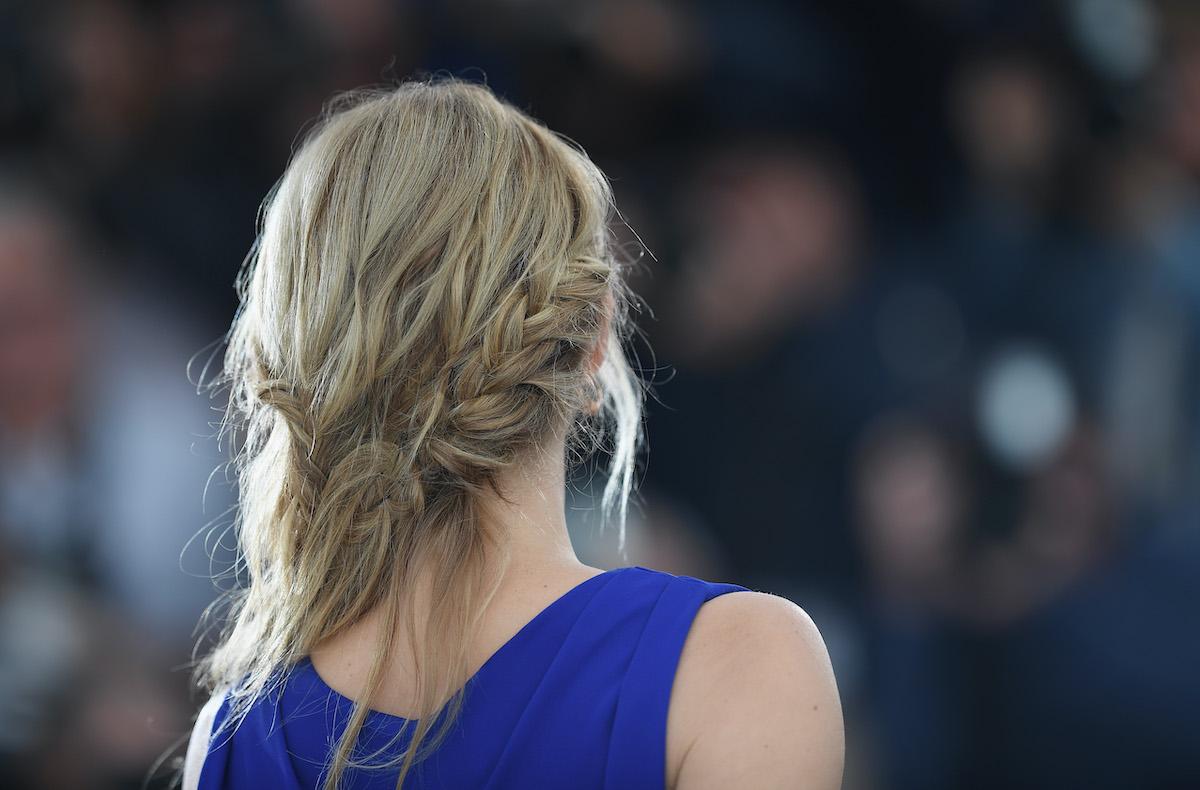 treccia spina di pesce alla francese capelli biondi