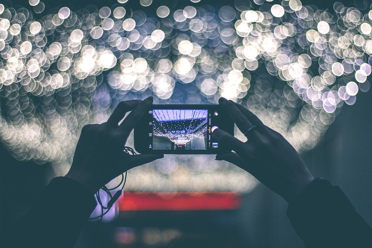 foto iPhone lucine notte