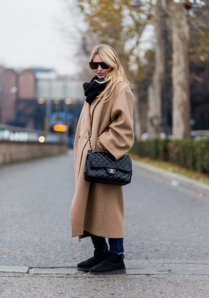 ugg ultra mini cappotto beige borsa chanel