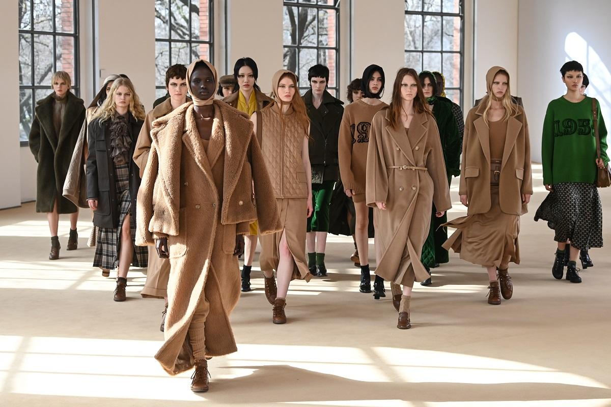 Finale alla sfilata Max Mara Autunno / Inverno 2021-2022 durante la Milano Fashion Week il 25 febbraio 2021 a Milano, Italia