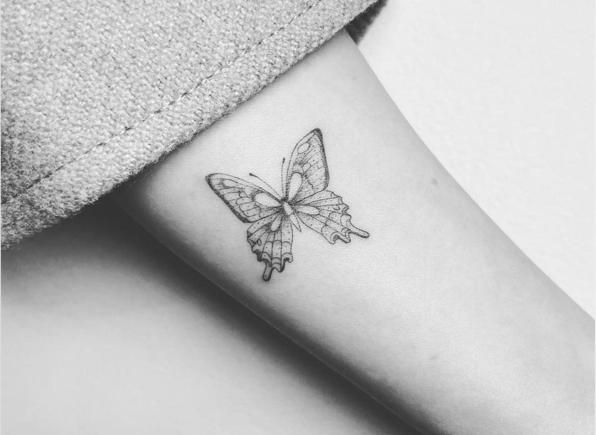 tatuaggio farfalla lucy hale