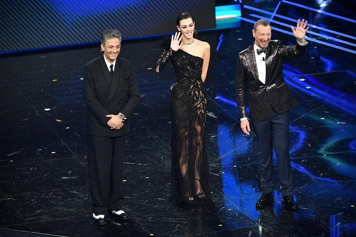 Amadeus, Vittoria Ceretti e Fiorello sono sul palco durante il 71 ° Festival di Sanremo 2021 al Teatro Ariston il 4 marzo 2021 a Sanremo