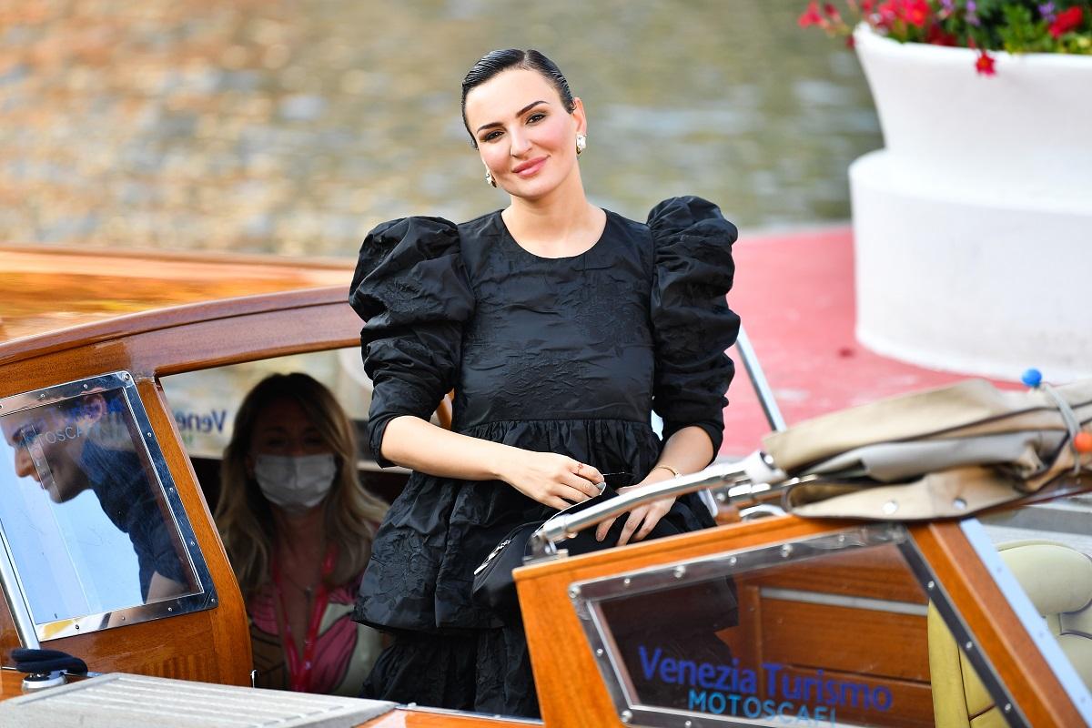 Arisa è stata vista arrivare all'Excelsior durante la 77a Mostra del Cinema di Venezia il 04 settembre 2020 a Venezia, Italia