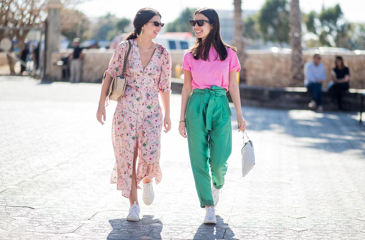 La moda low cost questa primavera è su Amazon: ecco i migliori capi da acquistare subito