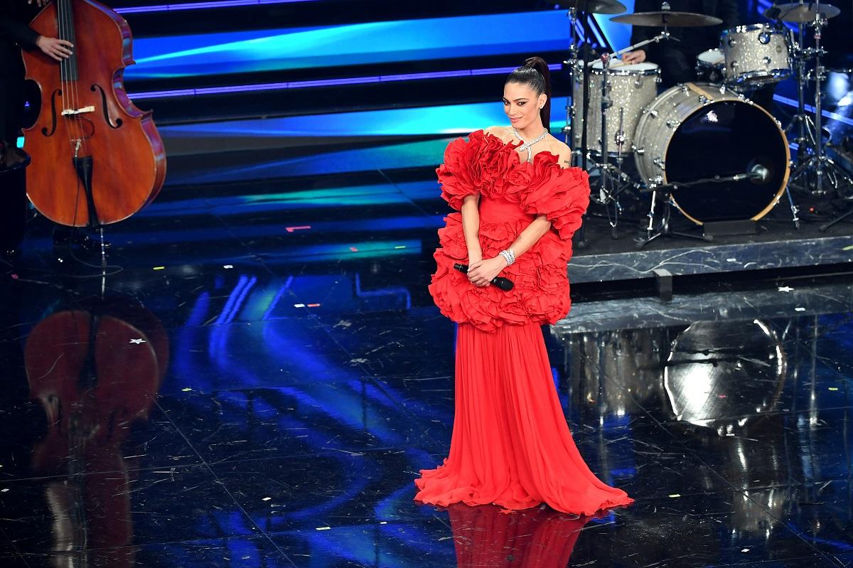 Elodie è sul palco del 71 ° Festival di Sanremo 2021 al Teatro Ariston il 3 marzo 2021 a Sanremo