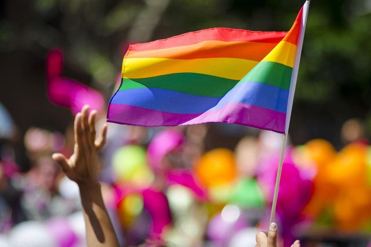 Bandiera arcobaleno diritti LGBT