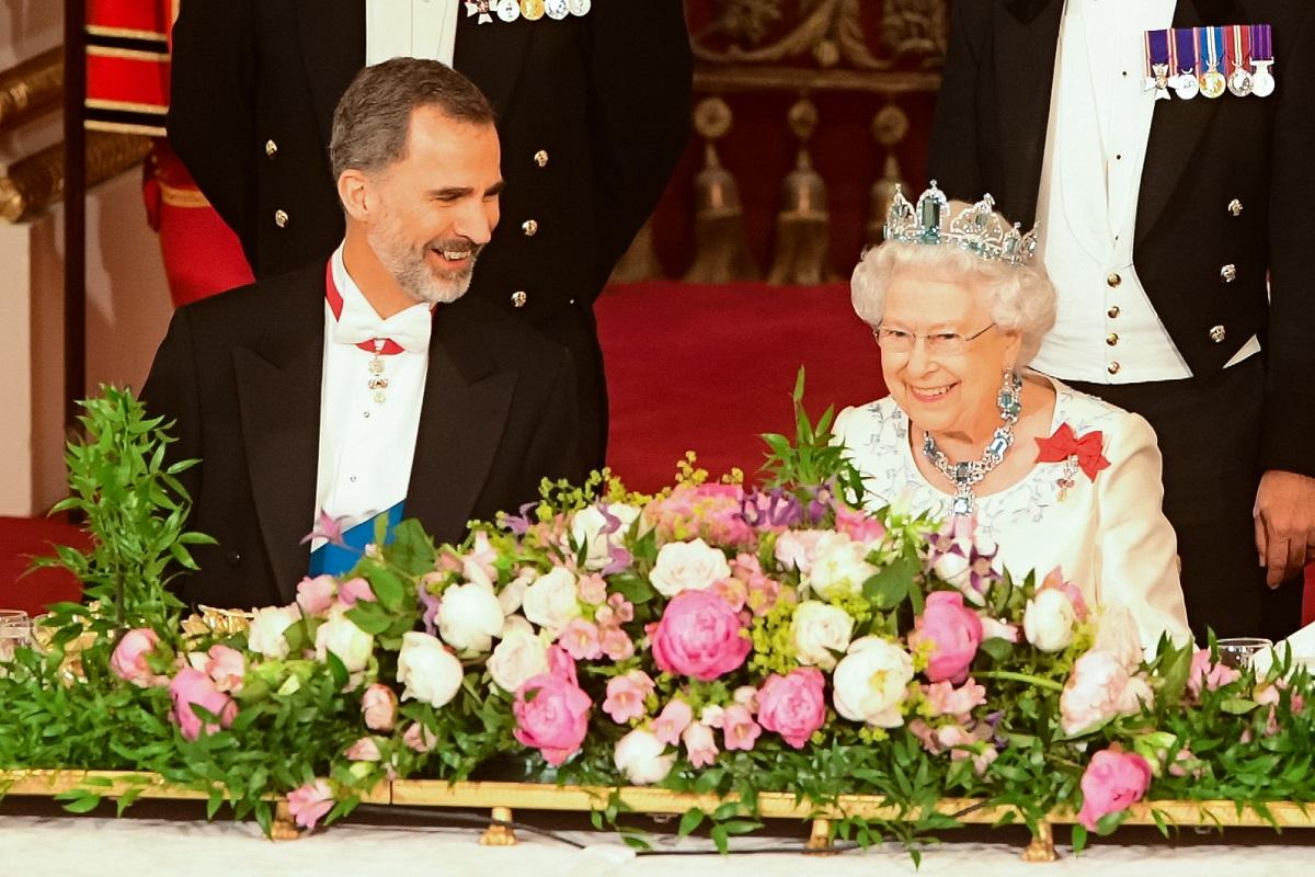 Re Felipe VI di Spagna e la regina Elsabetta II del Regno Unito